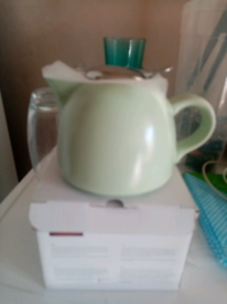 Barcelona teapot with filter