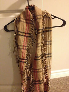 Scarves, never been worn!!