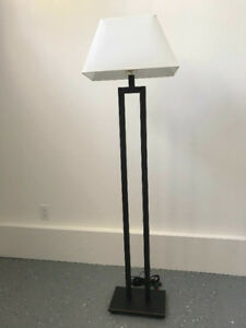 NEW TRI-LIGHT FLOOR LAMP