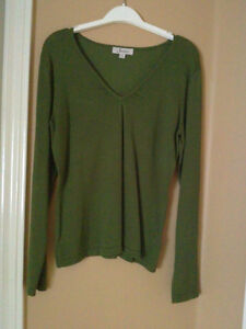 Women's Jessica Sears cable knit green sweater v-neck Size 4-6 London Ontario image 2