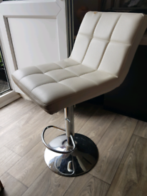 White padded stool chair with foot rest (has scratches & fixed height)