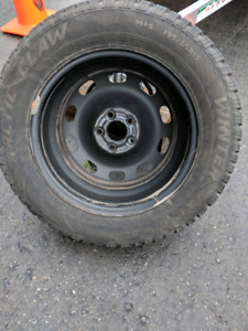 4 Arctic claw tires with rims 195/65r15 (vw golf)