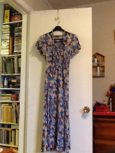 Denver Hayes 100% Rayon Dress
