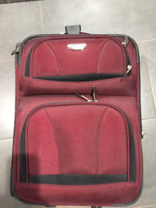 19 Inch Burgundy Carry On Luggage
