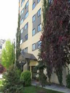 DOWNTOWN- 1 BEDROOM APARTMENT, INCLUDES POWER, WATER & GAS !!
