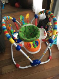 Sautoir Baby Einstein pour bébé Exerciseur avec musique
