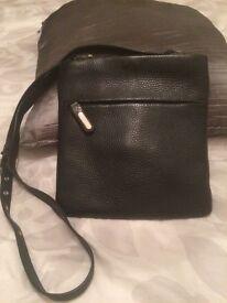 Ri2K leather handbag in black leather
