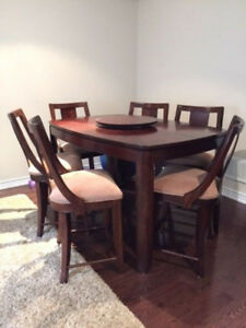 Elegant dining set - with 18' Leaf Extension