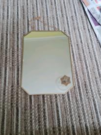 Gold frame mirroe