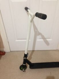Reax Scooter