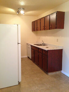LOOKING FOR A FAMILY BUILDING 2 BEDROOM AVAILABLE IMMEDIATELY