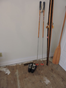 CROSS COUNTRY TUR-SKI SKIS, POLES AND BOOTS 10 1/2m