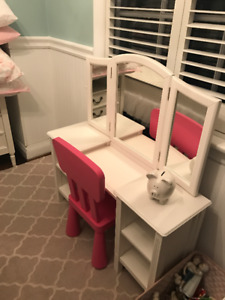 Pottery Barn girl's desk with mirror (comes with pink chair)