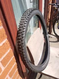27.5'' Bontrager bike tyre
