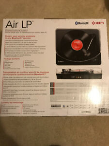 Wireless streaming turntable