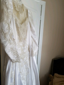 Wedding dress size 14 16 tall 5 ft 10 in