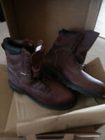 NEW NEW NEW : AWESOME DEAL   PAIR of RED WING BOOTS