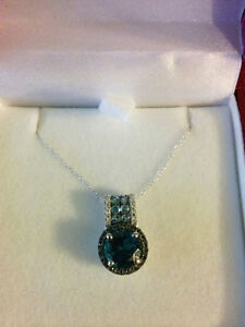 White Gold Pendant with 16 in chain stamped at 10 kt London Ontario image 2