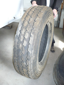 Pneu usagé Michelin 11R24.5,