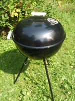"Excellent Condition  Webber Charcoal BBQ, 22"" Diameter"