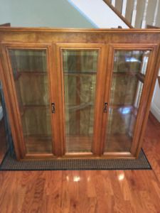 Solid Oak curio cabinet. Clean and Great condition.