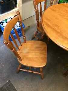 Dining table and 4 chairs Kitchener / Waterloo Kitchener Area image 2