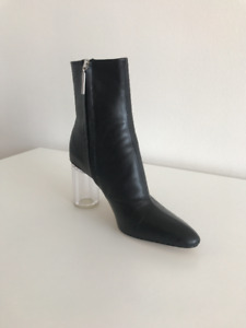 Bottillons En Cuir / Leather Ankle Boots With Transparent Heel