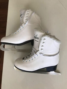 Brand new SportCheck figure skates 50% off than the store!