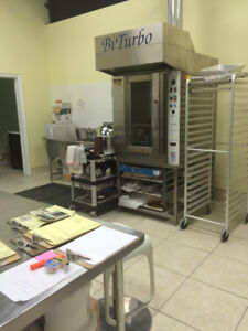 VAUGHAN BAKERY PRODUCTION AND/OR COMMERCIAL KITCHEN FOR SALE!