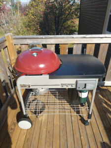 Excellent Condition - Weber Performer Deluxe Charcoal BBQ