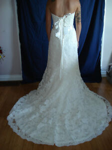 NEW Maggie Sottero Wedding Dress of Your Dreams - REDUCED Kingston Kingston Area image 1