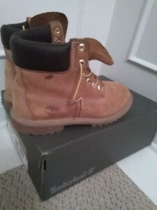Timberland Size 7 Junior Boots - Excellent Condition