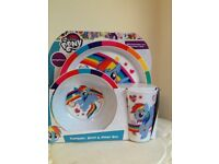 🦄🌈 🍭My little pony brand new tumbler bowl and plate set