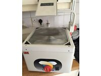 3M OVERHEAD PROJECTOR MODEL 1608 (has been pat tested)