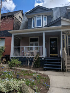 Updated 1+1 bed/1 bath in beautiful Greektown-Utilities included