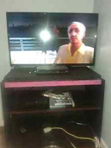 """34"""" Flatscreen LED Thin tv with Ps3+games"""