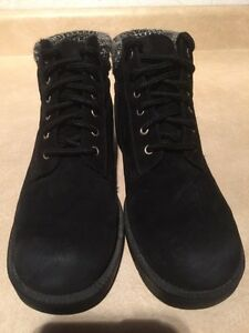 Women's Rugged Outback Leather Boots Size 6.5 London Ontario image 3