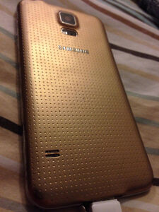 SAMSUNG GALAXY S5 GOLD slight use