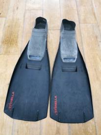 Mens fins / flippers Stenella size 8.5 - 10