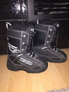 FXR BACKSHIFT SIZE 6 SNOWMOBILE BOOTS