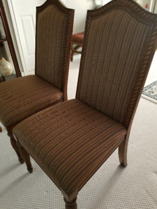 2 Bombay Penhurst Dining Chairs in pristine condition for sale