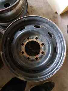 4 rims 17po 8 troues ford dodge gmc 3500 2500