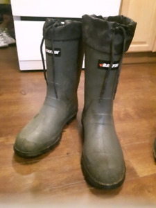 Size 11 baffin fishing boots