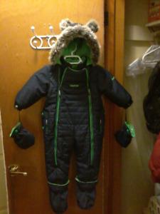 Oshkosh one piece snowsuit (size 18 months)