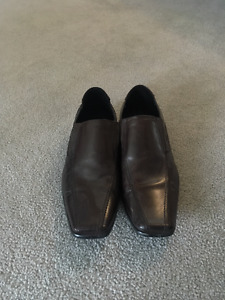 Pegabo Slip-on brown Dress Shoe Size 7