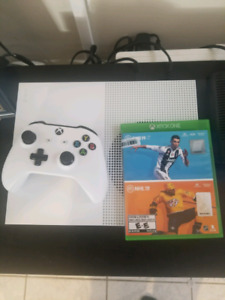 XBOX One S 1tb 4k with headset and 3 games