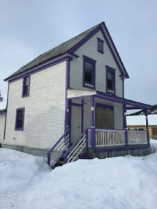 House for rent in Dawson-October 1