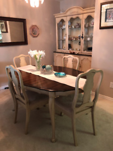 Beautiful solid wood table & buffet