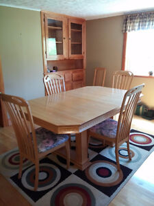 Dining room Oak Table /6 chairs