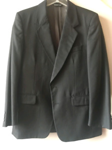 MENS SUITS SMALL
